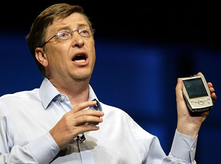 Bill Gates apresenta Windows Mobile 5