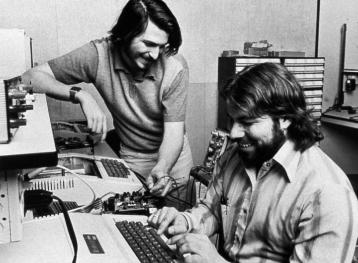 Apple iPhone dobrável Steve Wozniak