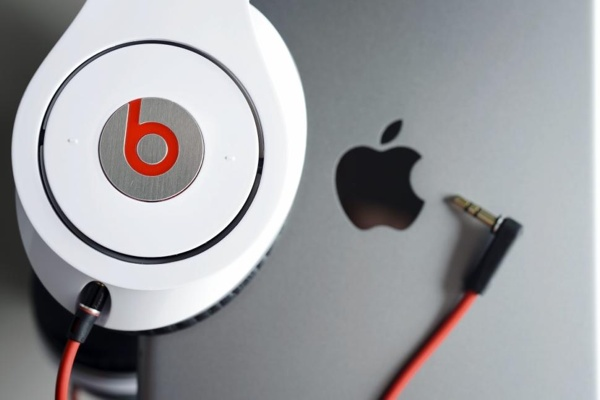 beats_apple_1