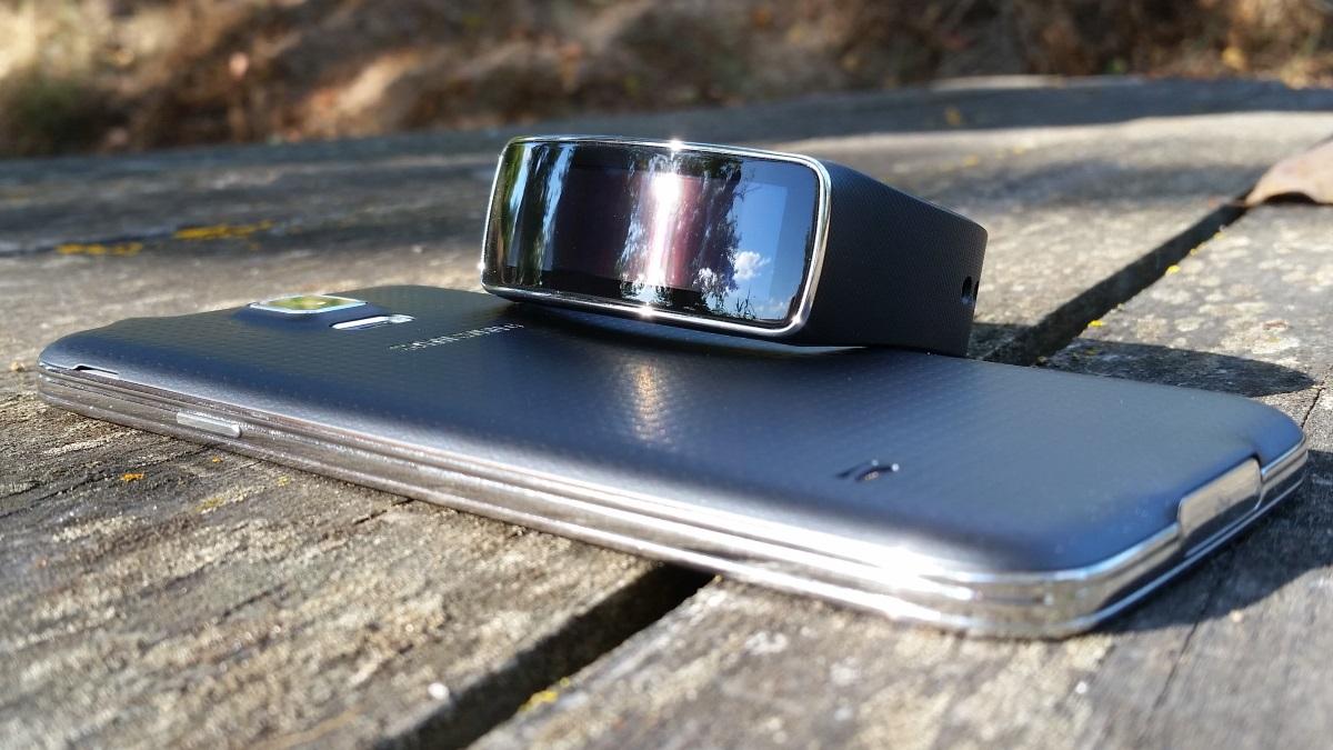 18e3457a8ed Análise ao Gear Fit da Samsung - Pplware