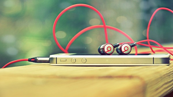 Headphone-Beats-Smartphone-Hd-Screen-Background