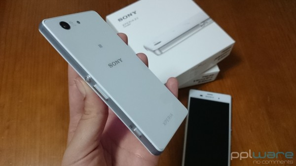 Unboxing_Xperia_Z3_compact
