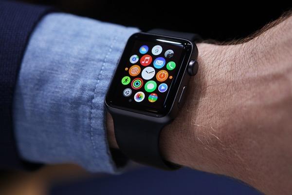 50784b95a69 Ter no smartwatch a cara de um relógio de marca  Impossível! - Pplware