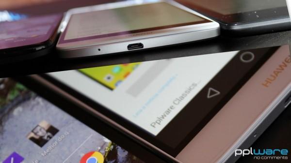 A Huawei consegue um ecrã de 6'' Full HD num equipamento mais fino que um vulgar smartphone e tablet e também com uma moldura ainda mais pequena. É assim justificada a portabilidade de um smartphone e o conforto de um tablet.