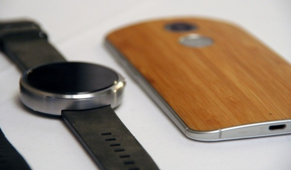 e5b5c82cd56 Estes dois equipamentos Motorola poderão ser adquiridos em Portugal a  partir de 627 euros