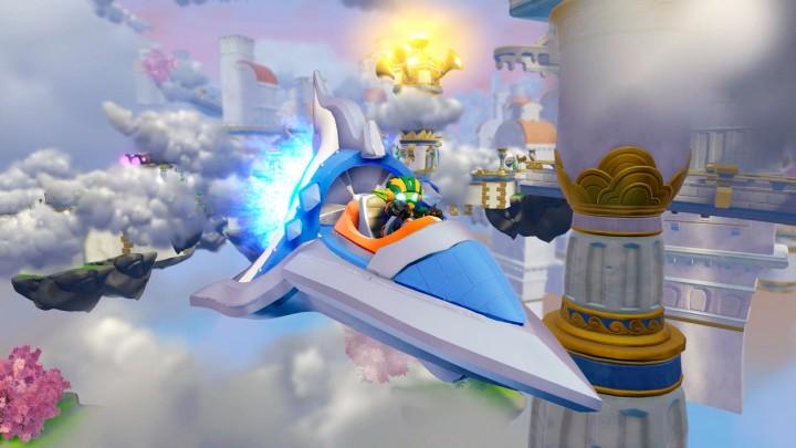 Skylanders_SuperChargers_Sky_Slicer_and_Stealth_Elf_1