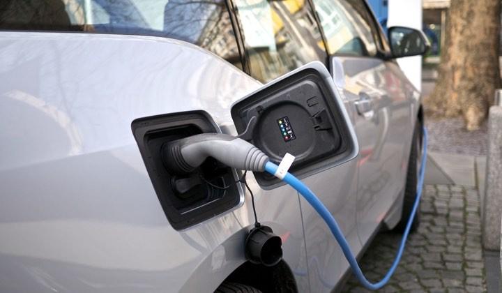 Quer comprar um veículo elétrico? Peça já o seu cheque