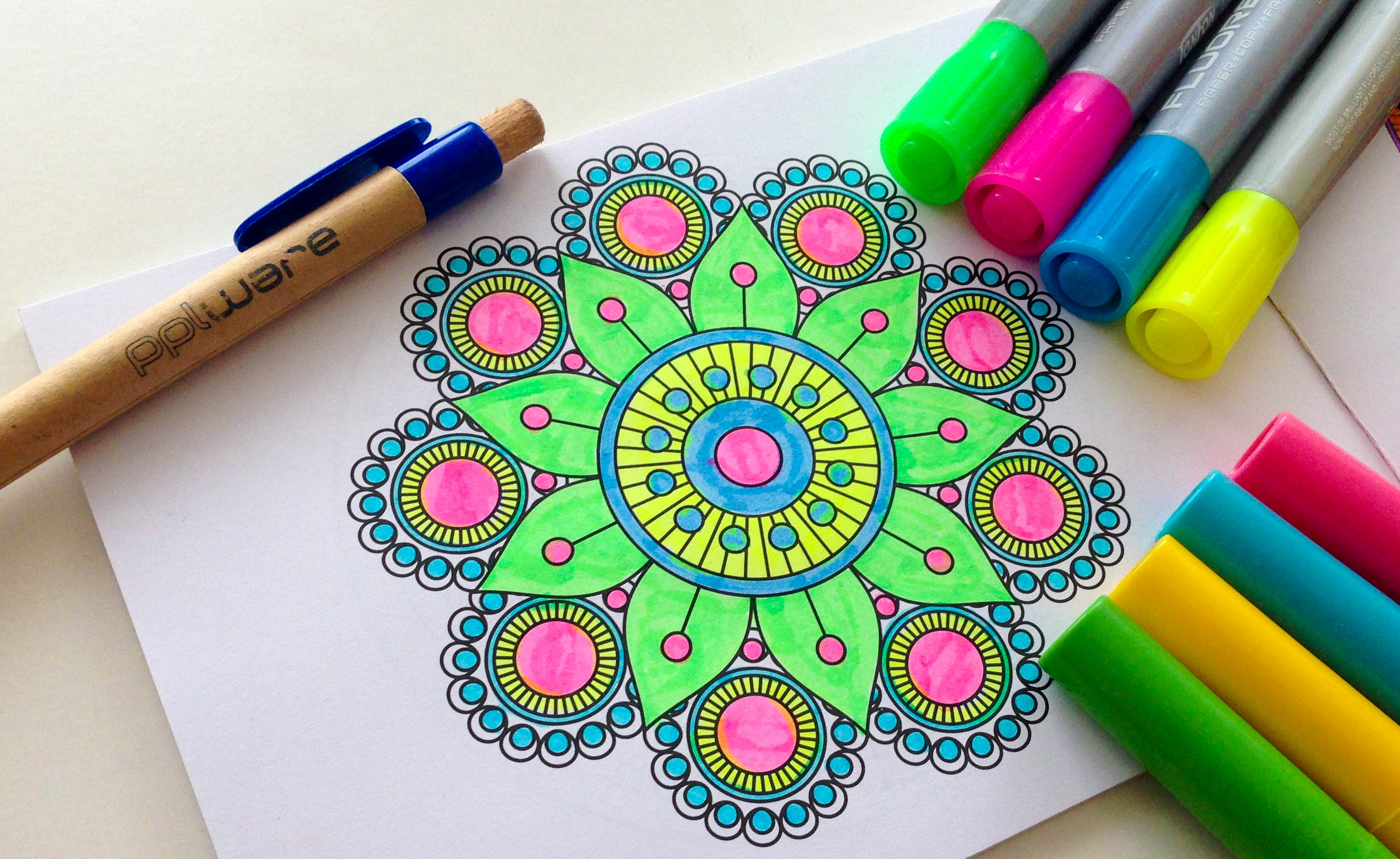 Mandalas apps para colorir tamb m no seu smartphone tablet for Colores para pintar portones