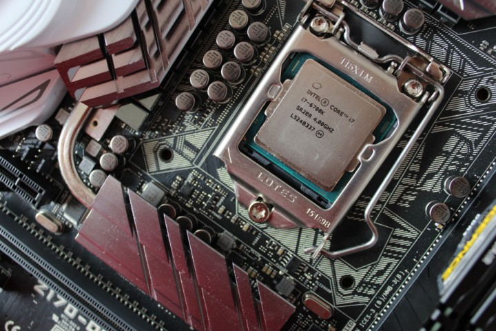 core-i7-skylake-6700k-in-motherboard-980x653