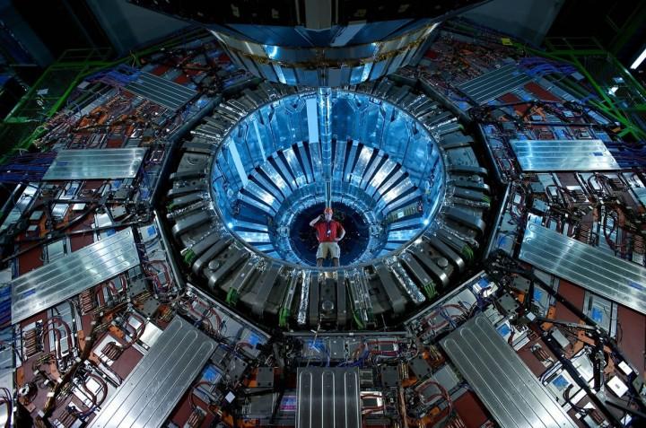 pplware_hadron-collider_00