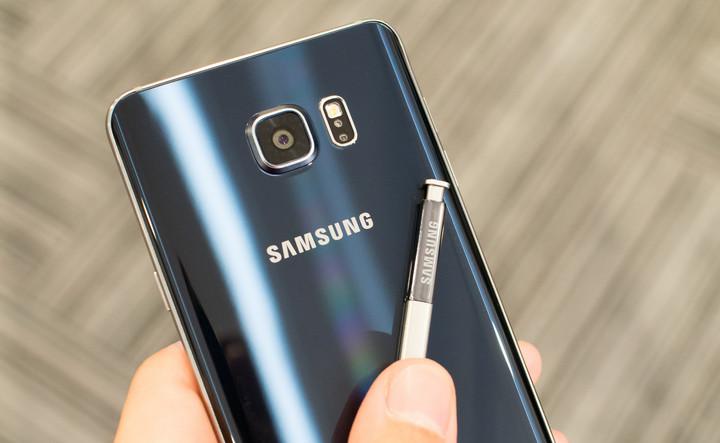 8f63ad1433 A notícia é avançada pelo site romeno Gadget Talk que cita fontes próximas  das Samsung Roménia que garantem que o Galaxy Note 5 chegará à Europa em  Janeiro ...
