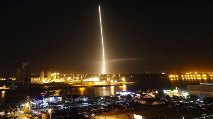 pplware_spacex-falcon-9-elon-musk-successful-landing