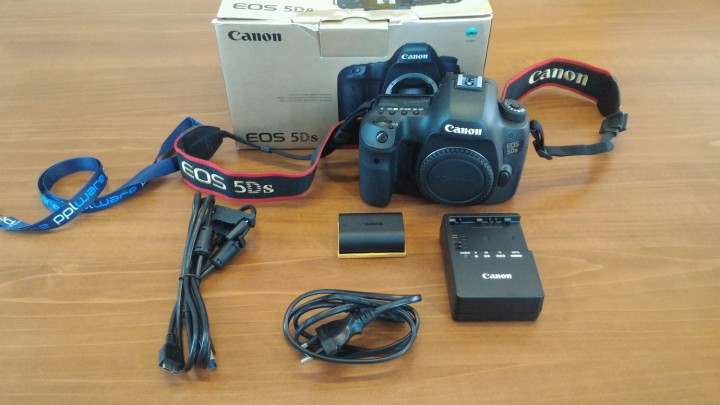 Canon5Ds-01.jpg