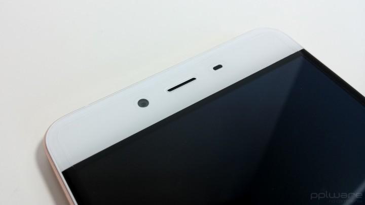 OnePlus X - Câmara frontal