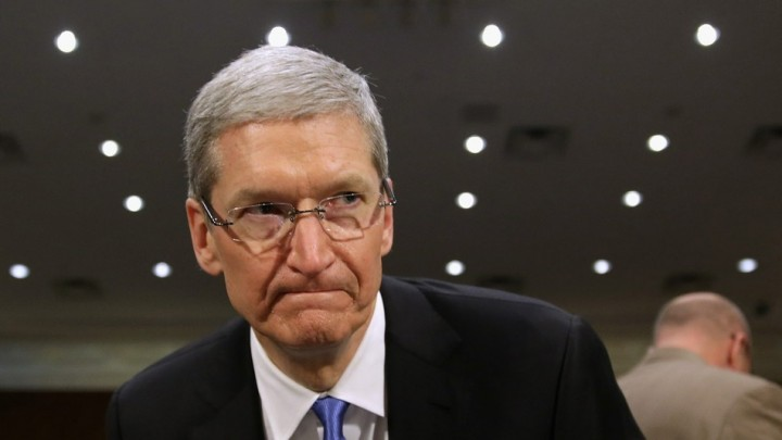 tim-cook_iphone_fbi
