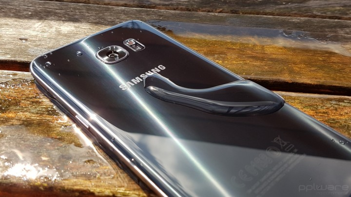 Samsung Galaxy S7 Edge - prova de água
