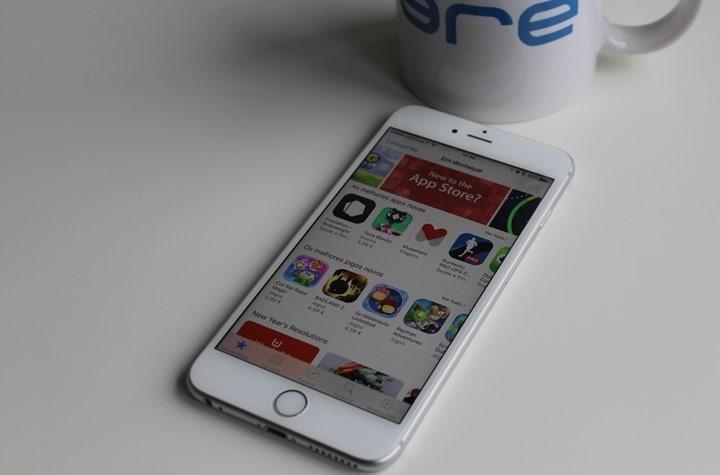 Apple: Um iPhone deve durar no mínimo 3 anos