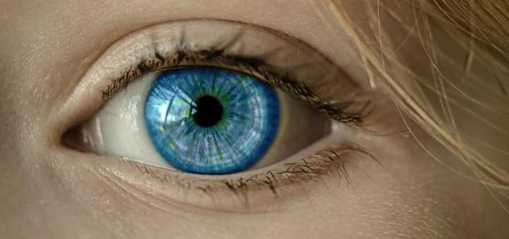 Google quer injectar-lhe um dispositivo no olho