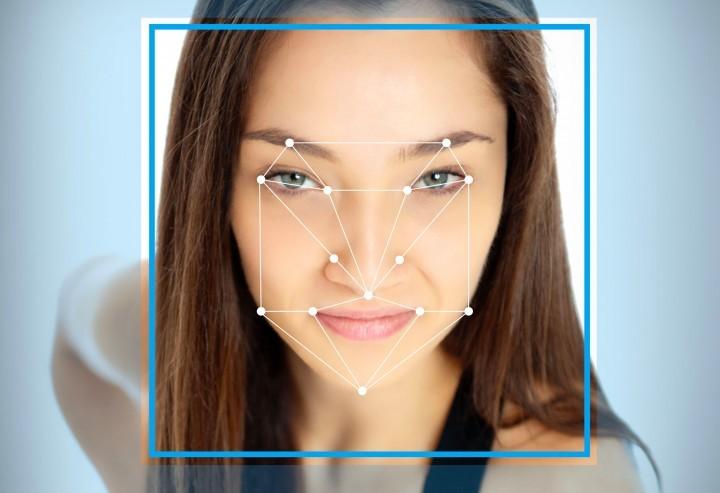 Cidadãos chineses vão ter de se submeter a um scan facial para terem Internet e telefone