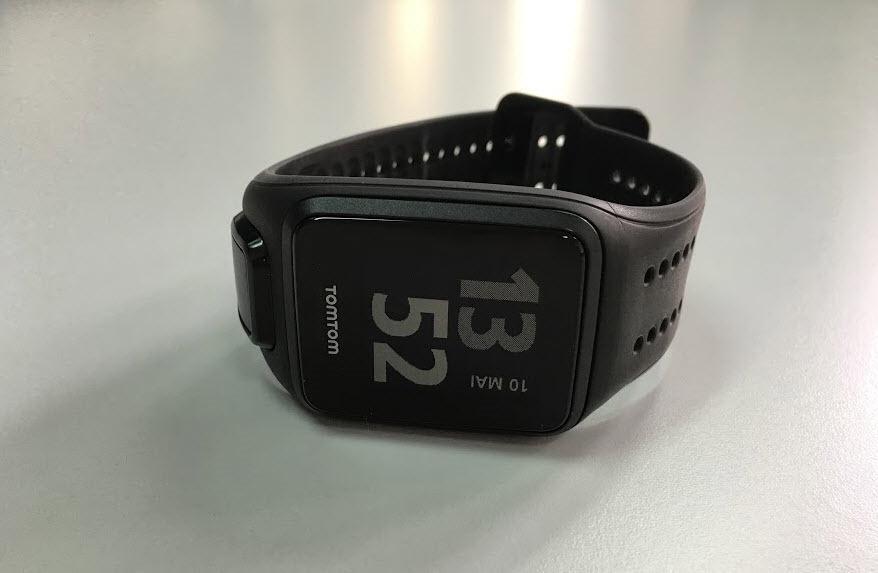 e248b937f35 Com o TomTom Spark é possível medir o ritmo cardíaco (uma vez que tem um  sensor de ritmo cardíaco integrado)