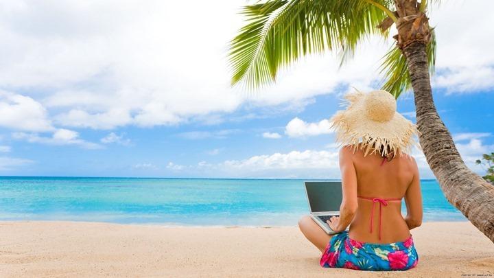 computer-beach