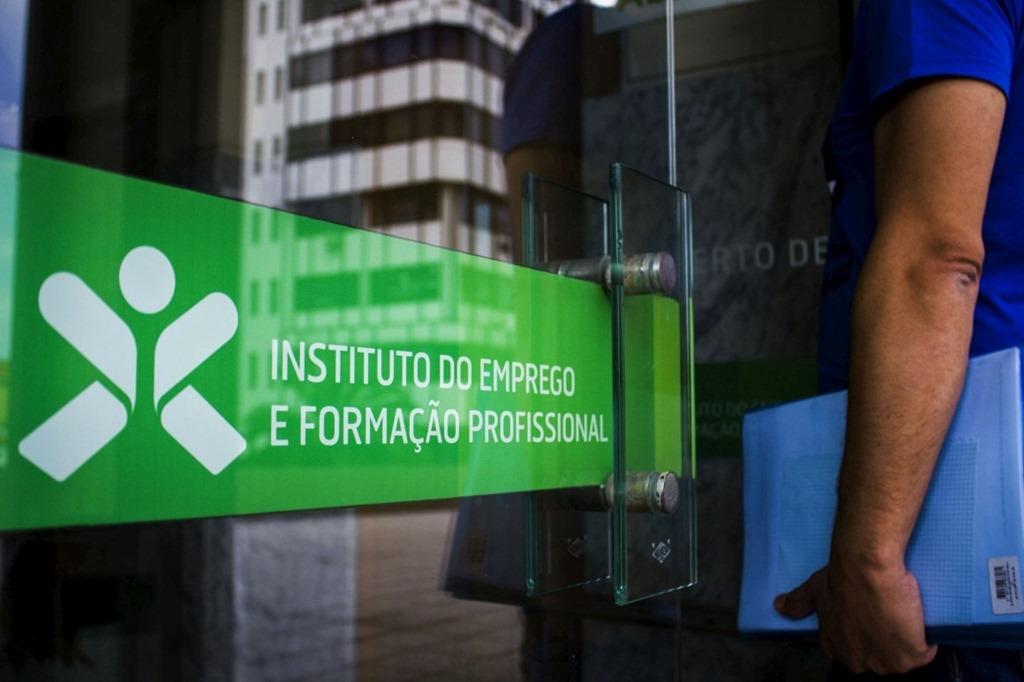 b6f4d30923f A notícia foi avançada pelo JN e revela que em Portugal «..há muitos  patrões que não só exigem aos jovens estagiários que lhes devolvam a  comparticipação da ...