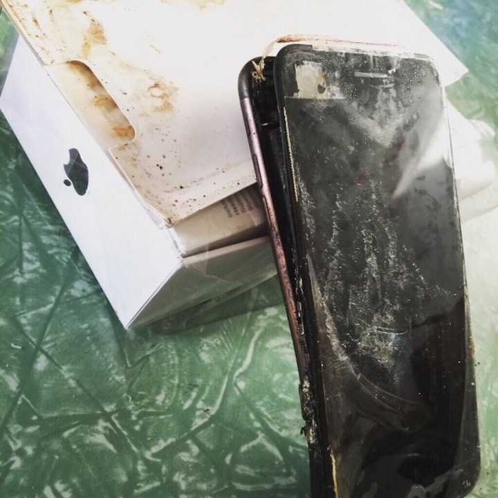 iPhone 7 explode