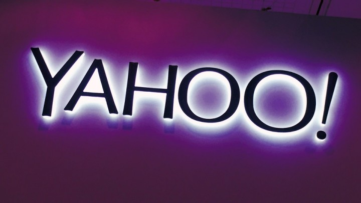 yahoo-purple-sign-1920-960x623