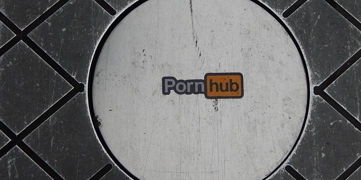 pornhub_00