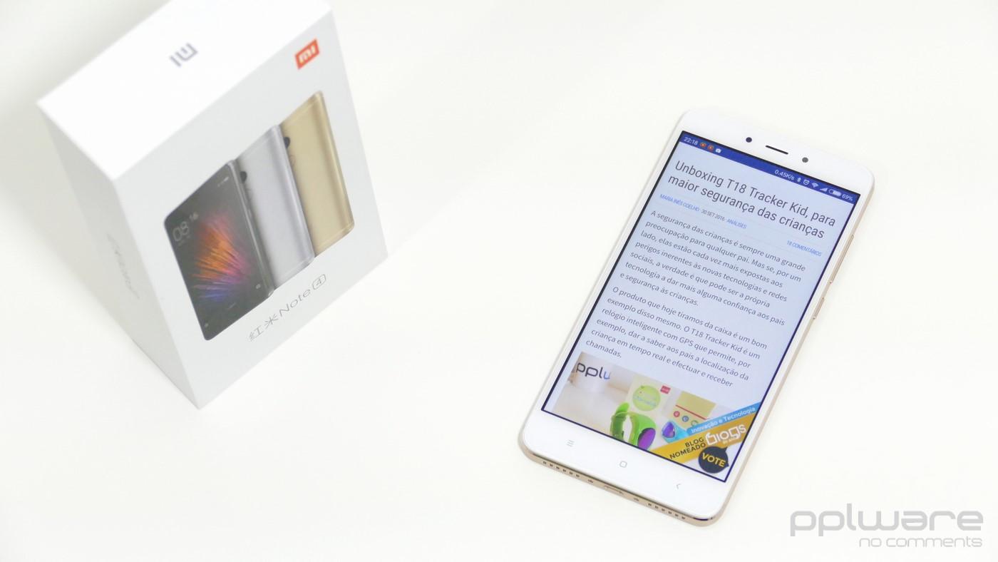 um smartphone que se apresenta   novos aspectos no design mais