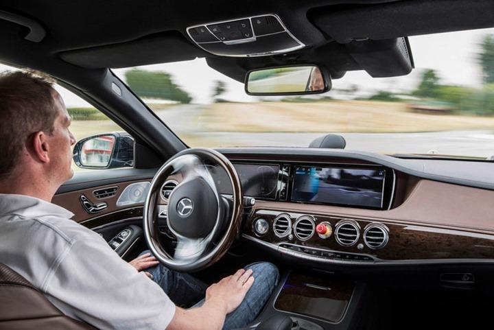 Mercedes-S-Class-Autonomo-02