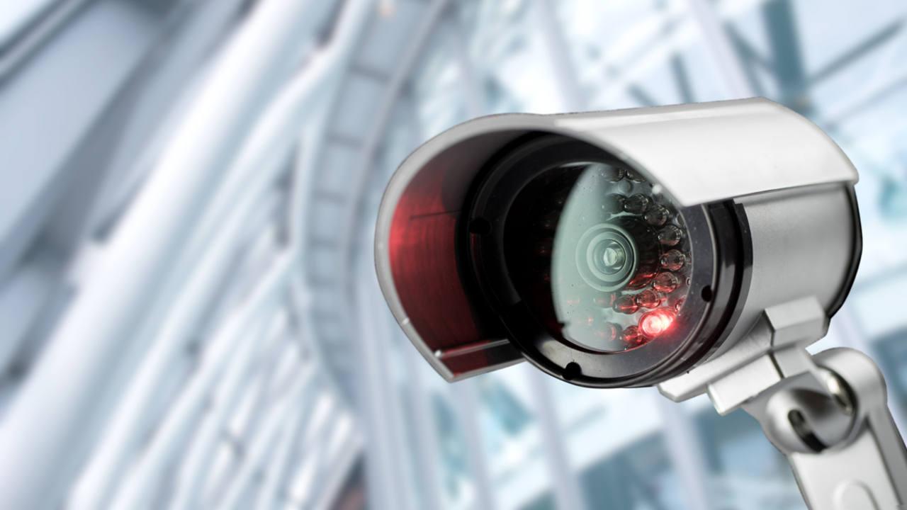 C maras de vigil ncia mantenha a sua casa segura pplware for Camara vigilancia exterior