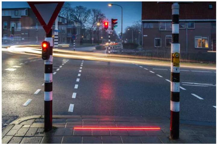 Holanda: Semáforos para quem anda agarrado ao smartphone