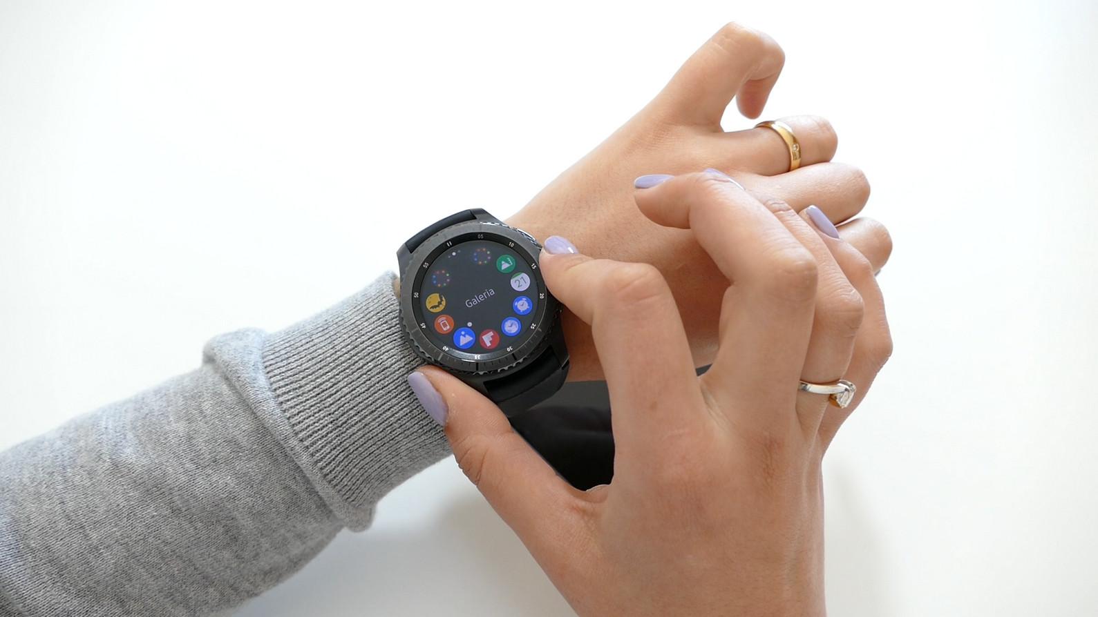7b9f2d50523 ... relógio (ainda que com algumas limitações) como através do smartphone
