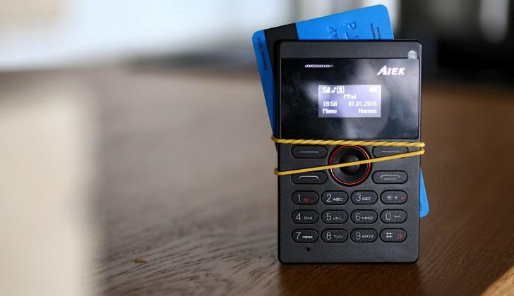 4 Telemóveis por menos de 20€ e que parecem cartões - Pplware 2e16dd85ea3