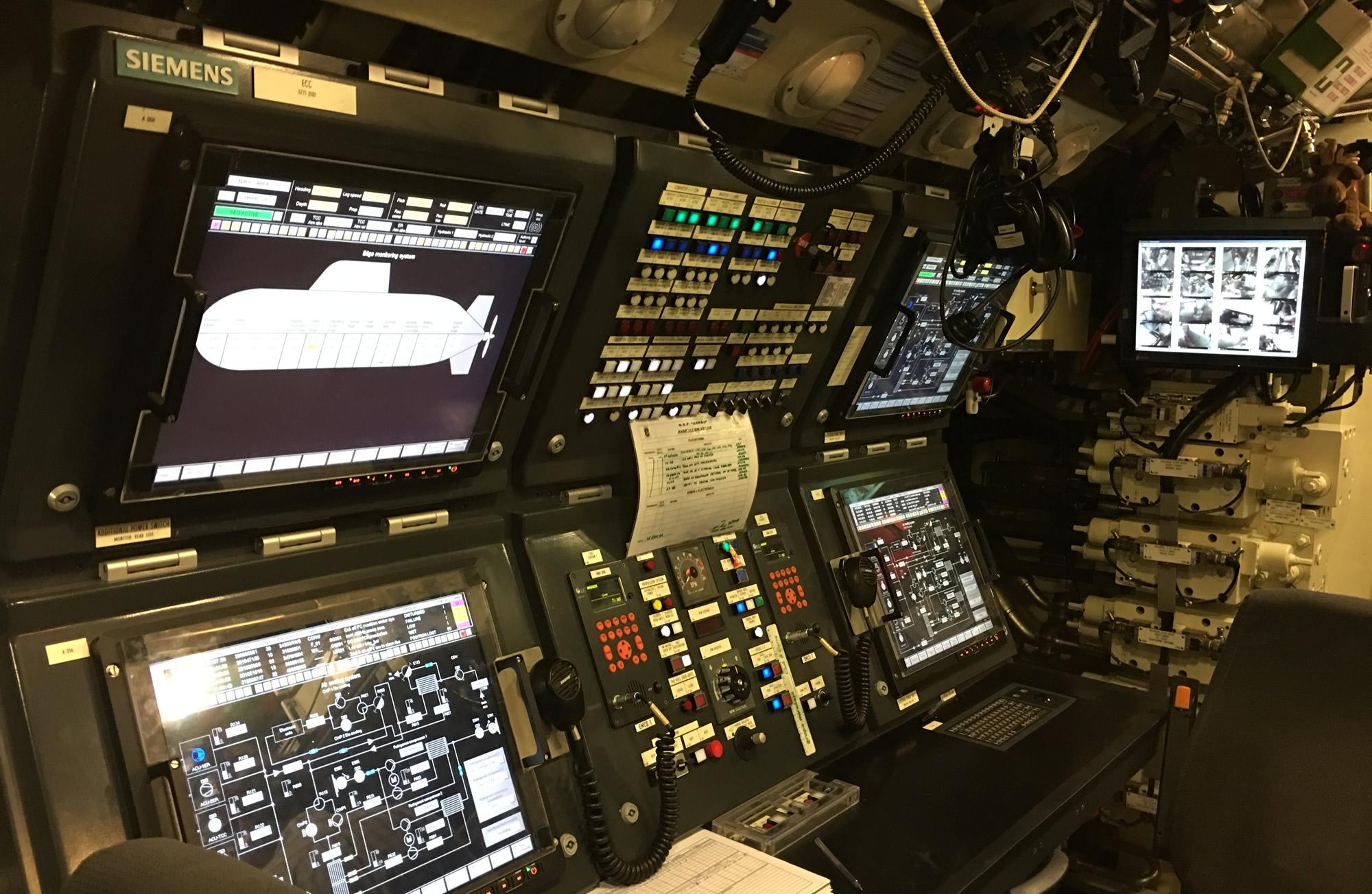 A navegação nos submarinos da classe Tridente