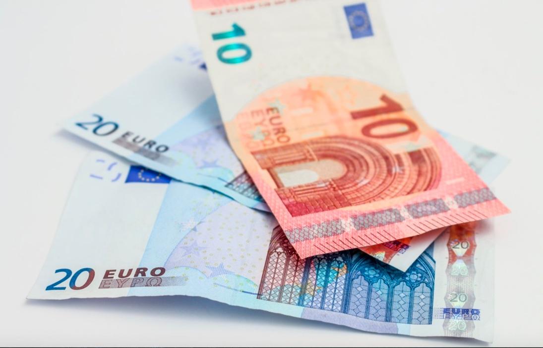 Tinham fábrica de notas de 20 euros falsas