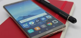 Huawei Mate_10_Pro_Moleskine_1