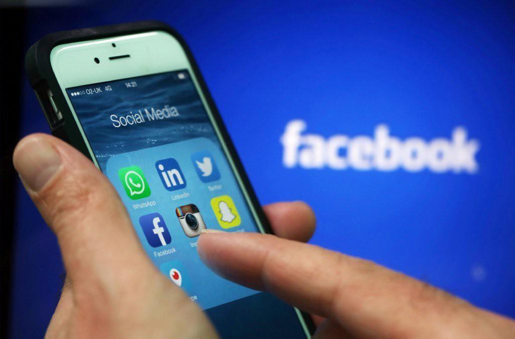 redes sociais Wikipédia Facebook WhatsApp Instagram