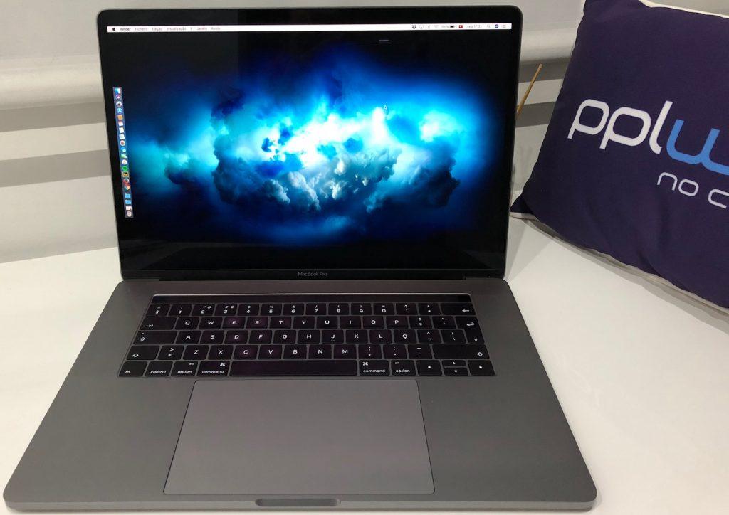 Foto Macbook Pro 2016 com macOS