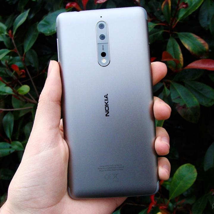 Nokia 8 - quadrada