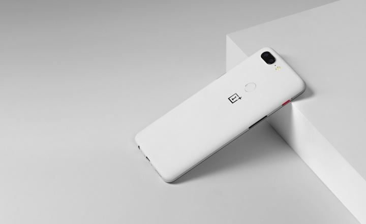 OnePlus 5T edição Sandstone branca 2