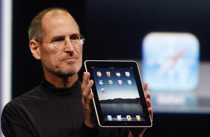 Steve Jobs apresenta ao mundo o iPad