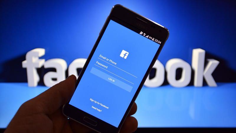 Facebook faz expansão global de plataforma para buscar emprego
