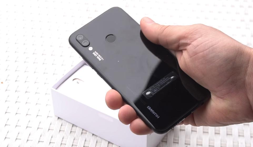 67b36475e95 Huawei P20 lite sai da caixa e confirma notch e preço na Europa ...