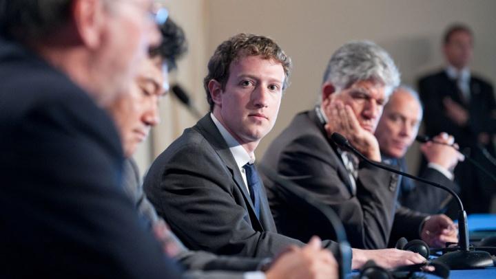 Tim Cook comenta escândalo envolvendo o Facebook