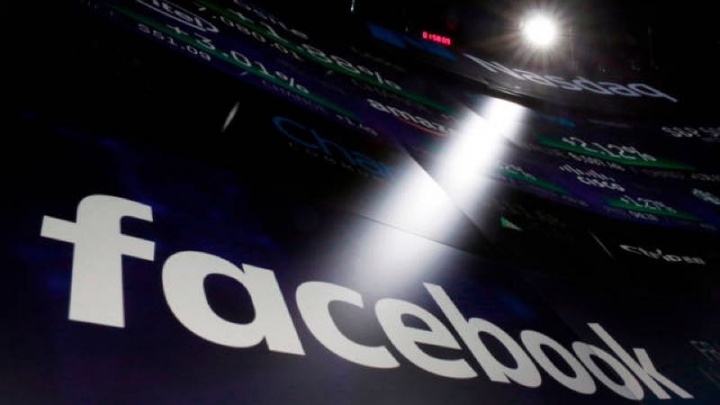 Mark Zuckerberg Congresso Facebook Cambridge Analytica