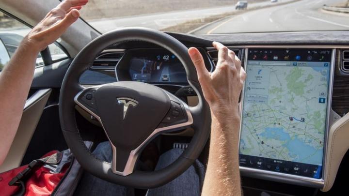 tesla condução autonoma