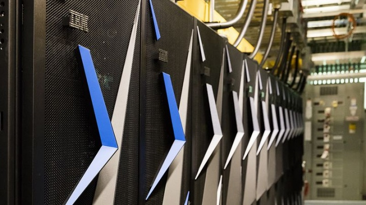 Summit IBM supercomputador