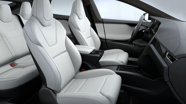 Já viu um Tesla com interiores vermelhos? Novidade chega ...